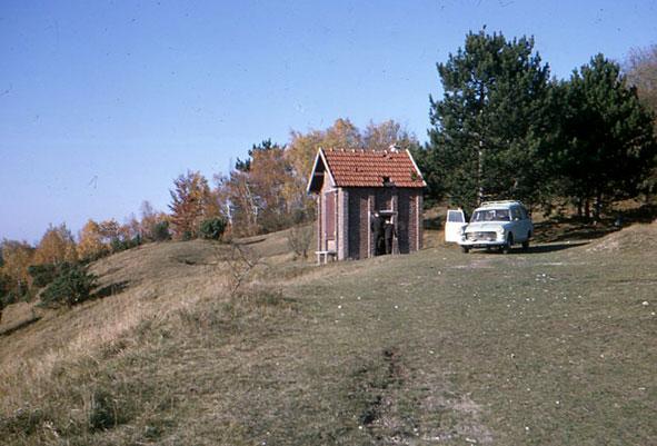"""""""cabane"""" du général Vignier à l'Abondin, photographie JP Boureux, 1964."""